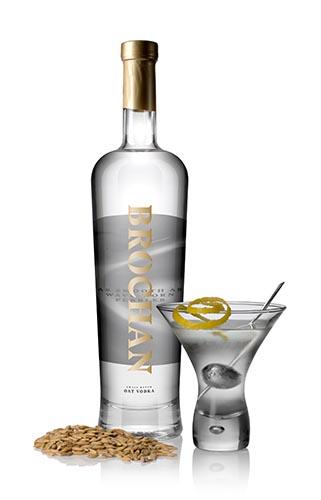 https://brochanvodka.com/cms/wp-content/uploads/2018/07/Brochan_Vodka_Master_Bottle__Serve_Oats_2.jpg